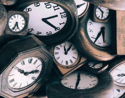 Timpul, umbra, învățarea: gânduri despre o bucată de călătorie către noi înșine